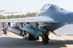 Cận cảnh từng chi tiết trên máy bay huấn luyện cao cấp Yak-130