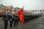 Xem bộ đội Hải quân tập thể dục bên các chiếm hạm