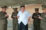 Bắc Triều Tiên đưa xe tăng đến biên giới báo Trung Quốc nói gì?