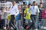 Xem Beckham mặc vest đá bóng ở Trung Quốc