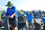 1000 thanh niên làm con đường 700m được ví với Nick Vujicic đến VN