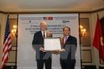 Trao chứng nhận đầu tư Dự án Trường Đại học Fulbright Việt Nam