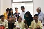Bộ trưởng Y tế kiểm tra đột xuất tại Bệnh viện Nhi Trung ương