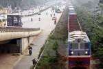 Vì sao năng lực cạnh tranh của Tổng Công ty đường sắt yếu kém?