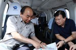 Thủ tướng thị sát vùng Đồng Bằng sông Cửu Long bằng trực thăng