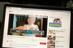 Tại sao YouTube dễ dàng cung cấp nội dung ấu dâm, dung tục tại Việt Nam?
