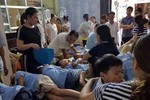 Hàng trăm học sinh tại Ninh Bình nhập viện, có biểu hiện ngộ độc thực phẩm