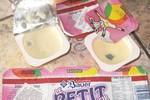 """Sữa chua Petit chứa """"sinh vật lạ bò lúc nhúc"""""""