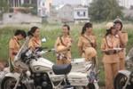 Nữ cảnh sát Sài thành xinh đẹp trong nắng mai