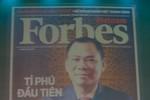 Tỉ phú USD Phạm Nhật Vượng lên bìa Forbes