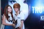 Bùi Anh Tuấn đưa Lilly Luta đi xem phim sau nghi án đập đá, đạo nhạc