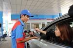 Phát hiện 3 đại gia xăng dầu tăng giá bán vượt trần