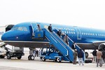 6.000 khách Vietnam Airlines bị chậm, hủy bay vì thời tiết xấu