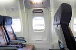 Hành khách Vietnam Airlines lại tự ý mở cửa thoát hiểm