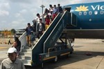 Máy bay Vietnam Airlines đi Cần Thơ hạ cánh ở TP.HCM