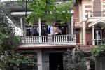 """Vì sao phóng viên báo Thanh Niên bị quăng """"bom bẩn"""" vào nhà?"""