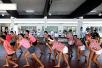 Hàng chục tù nhân nhảy Gangnam Style