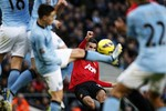Man City trả Nasri 150.000 bảng/tuần để... ghi bàn cho M.U