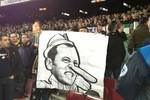 Chủ tịch Barca biến thành… Pinocchio mũi dài