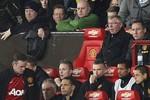 Chuyện buồn trong ngày vui: Rooney ngó lơ, không bắt tay Sir Alex