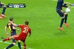 Tổng hợp các pha chơi bóng bằng tay trong vòng cấm Barca
