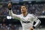 Mourinho ra đi, nhưng Ronaldo không bao giờ rời Real Madrid
