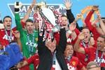 Sir Alex Ferguson và 13 lần nâng cúp vô địch Ngoại hạng Anh