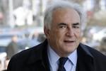 Cựu Chủ tịch IMF vay 6 triệu USD để đền bù nữ hầu phòng bị cưỡng bức