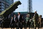 Thủ tướng Nhật thăm hệ thống phòng thủ tên lửa PAC-3