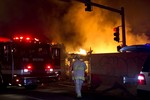 Hỏa hoạn kinh hoàng tại khu phố bán lẻ cao cấp ở Kansas, Mỹ