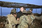 Kim Jong-un khen ngợi các nữ binh tên lửa, pháo binh Triều Tiên