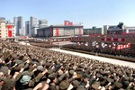 Video: Triều Tiên mít tinh ủng hộ Kim Jong-un lệnh ngắm bắn tên lửa