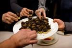 Liên Hợp Quốc khuyến khích ăn côn trùng đối phó với nạn đói
