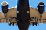 Máy bay Trung Quốc vỡ cánh trong lúc bay