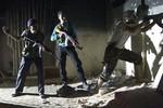 Hàng trăm phiến quân Syria buông súng xin chính phủ Assad ân xá