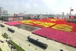 """Video: Triều Tiên duyệt binh hoành tráng mừng """"Ngày Chiến thắng"""""""