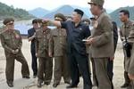 Kim Jong-un thị sát công trường xây khu trượt tuyết đẳng cấp quốc tế