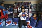Philippines: 13 lần phẫu thuật thẩm mỹ để được giống siêu nhân