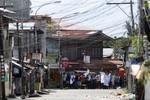 Phiến quân Philippines bắt dân thường làm lá chắn sống