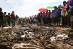 Rơi máy bay Lào: Tìm thấy 10 thi thể nạn nhân, cách hiện trường 20 km