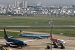 Nhiều báo nước ngoài đưa tin vụ máy bay Vietnam Airlines rơi lốp