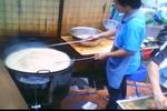 Video: Cận cảnh khai thác, chế biến dầu ăn từ cống rãnh tại Trung Quốc