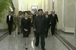 Vợ Kim Jong-un hốc hác xuất hiện sau vụ thanh trừng Jang Song-thaek