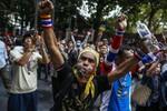 Thái Lan yêu cầu đóng băng tài khoản của 18 lãnh đạo phe biểu tình