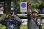 Thái Lan bắt 2 người mang theo súng và 23 quả bom tự chế