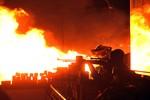 """Bùng nổ bạo lực tại Kiev, Mỹ bảy tỏ """"vô cùng quan ngại"""""""