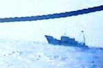 Video: Ngư dân Philippines bị tàu Trung Quốc đuổi ở Scarborough