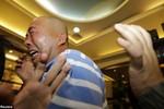 """Thân nhân tuyệt vọng khi Malaysia thông báo """"không có ai sống sót"""""""
