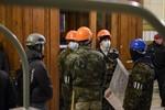 Ukraine: Người biểu tình thân Nga cướp kho vũ khí tại Luhansk