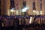 """Kharkiv tuyên bố """"độc lập"""", cảnh sát đụng độ với người biểu tình"""